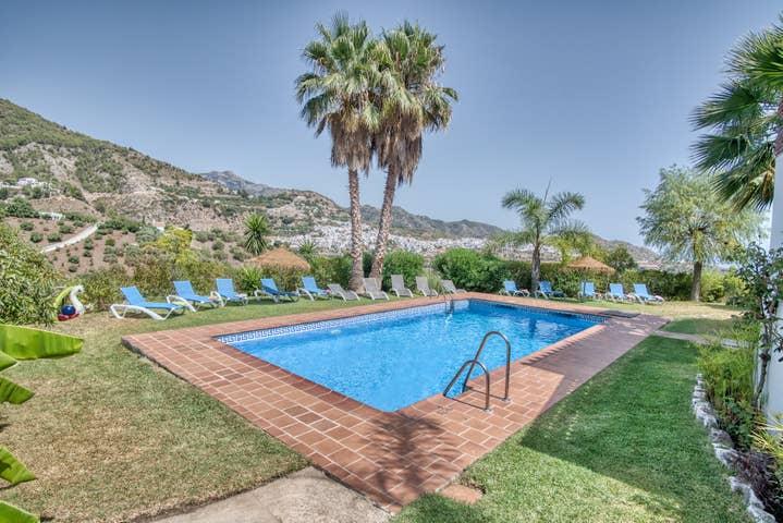 Villa Azure - R9933