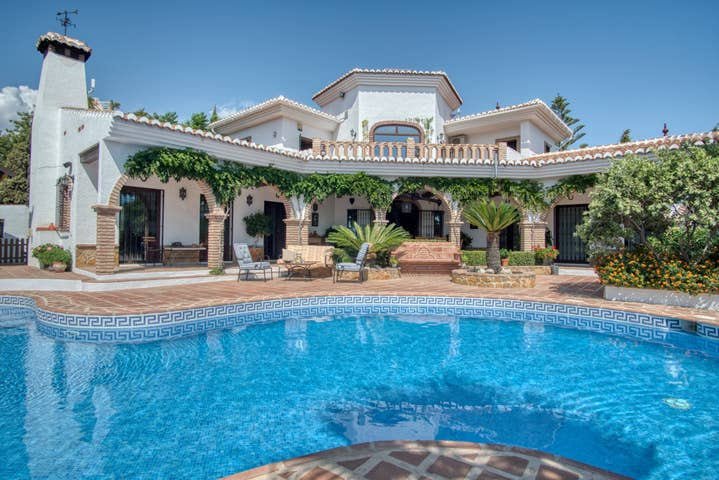 Villa Jacaranda - R9940