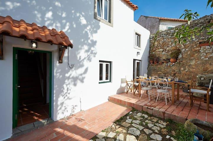 Casalinho Macieira - sleeps 6, in Azoia/Sintra