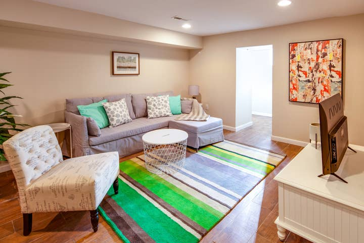 ✪ Long term stay just outside of Center City! ✪