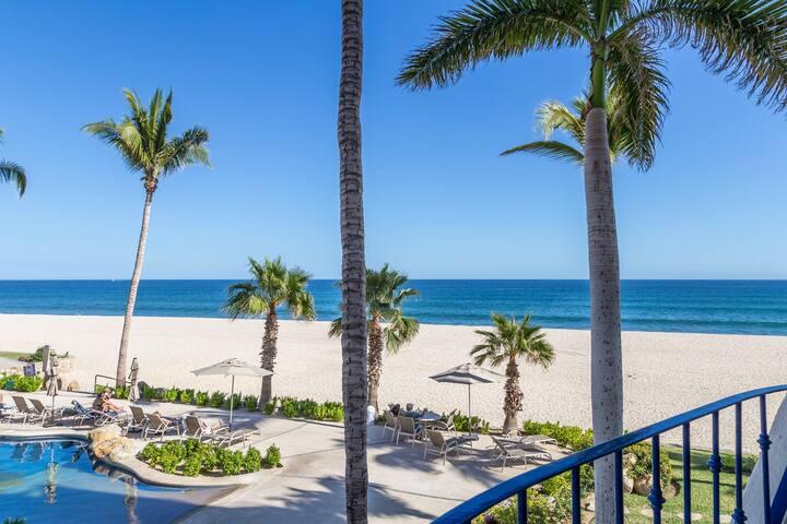 Oceanfront/beachfront @ Mykonos  = Luxury Service!