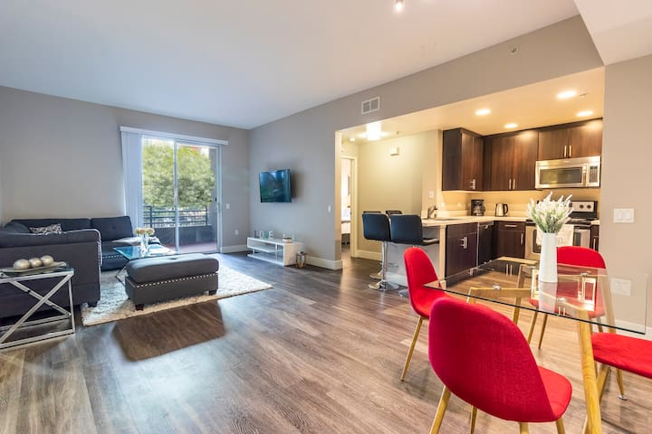 New Apartment in SANTA MONICA! Perfect for 6 guest