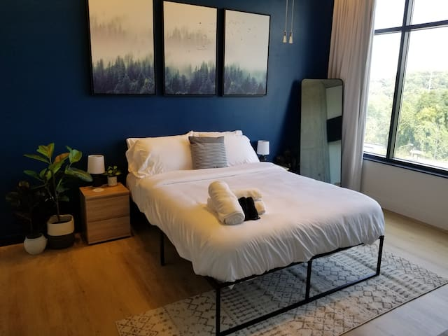 Updated Northside District Loft; Panoramic Views!