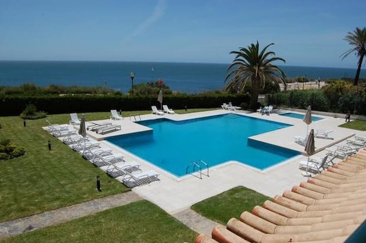 Ocean V in Cascais with Sea View and pool, sleeps 4