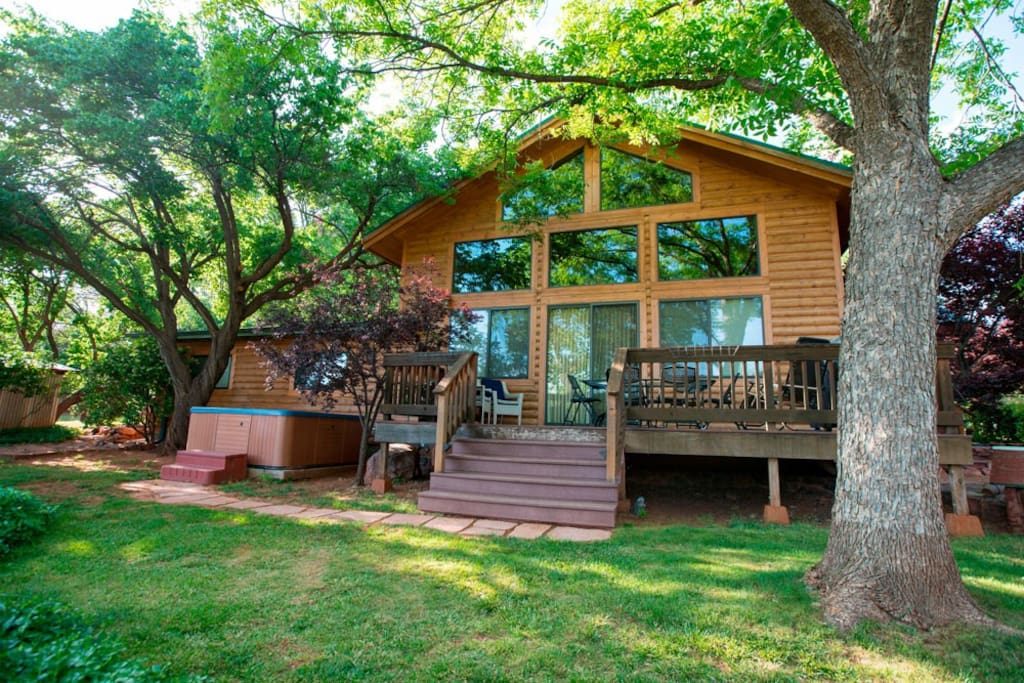 Image of Transformation Country Home - Exclusive creek access. Family/Group Oasis. Lush Grounds. Spa. Sleeps 10