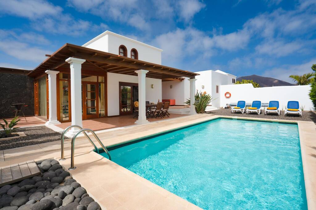 Featured image for property: Villa Jameos