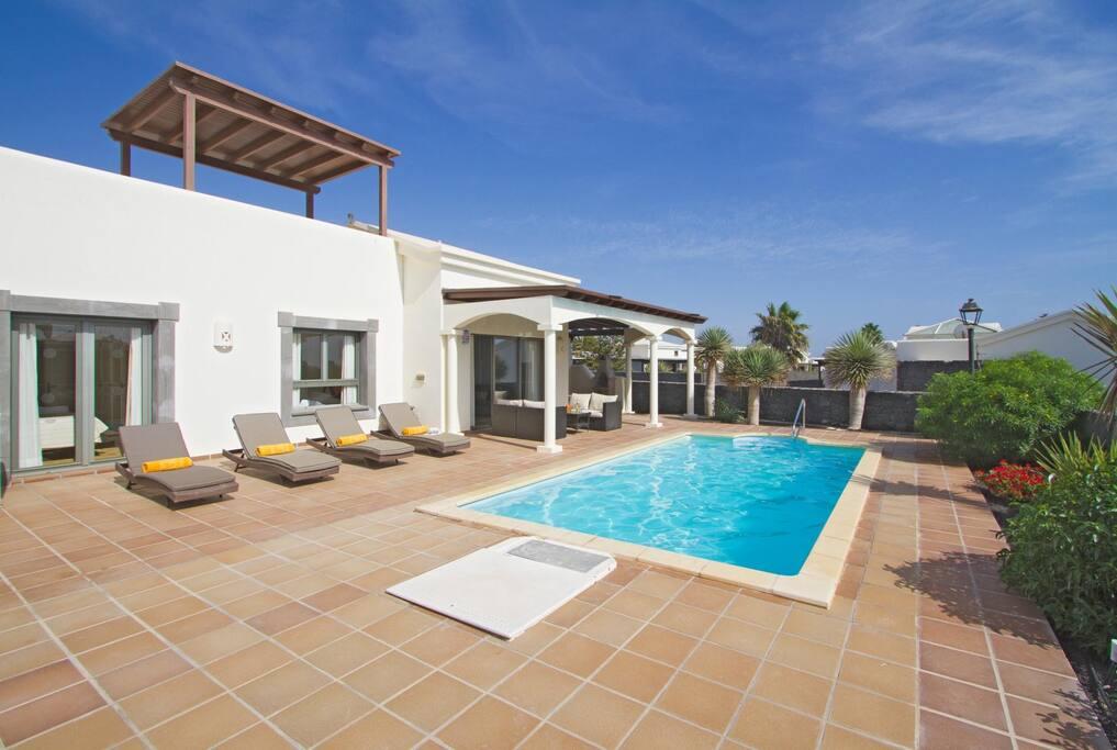 Featured image for property: Villa Alegria