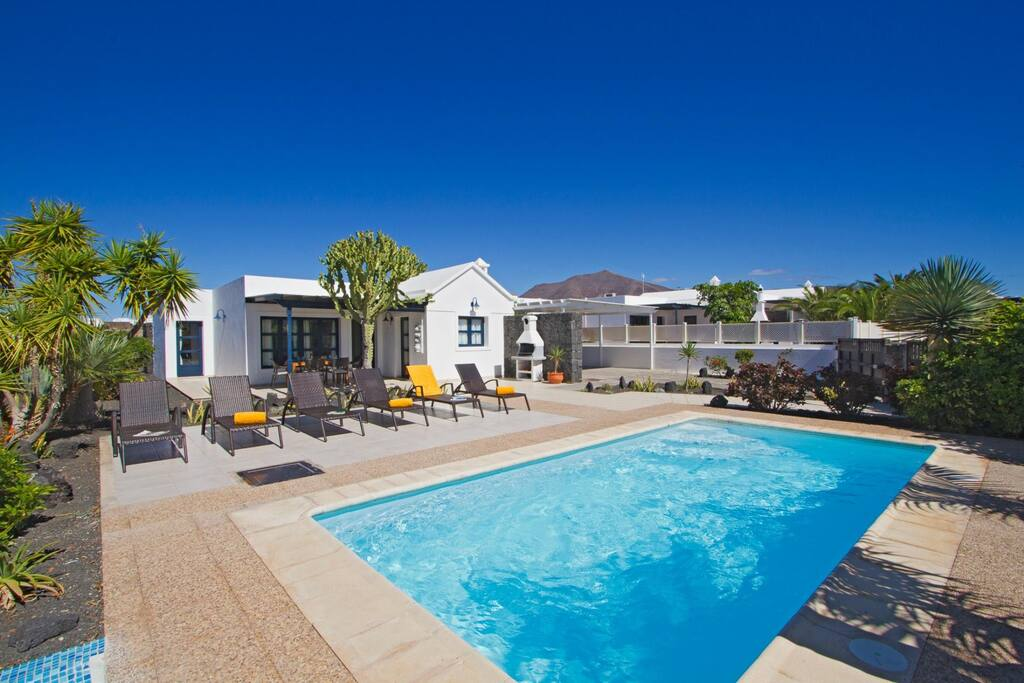 Featured image for property: Villa Oleander