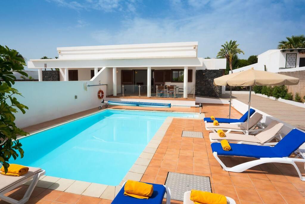 Featured image for property: Villa Su Casa