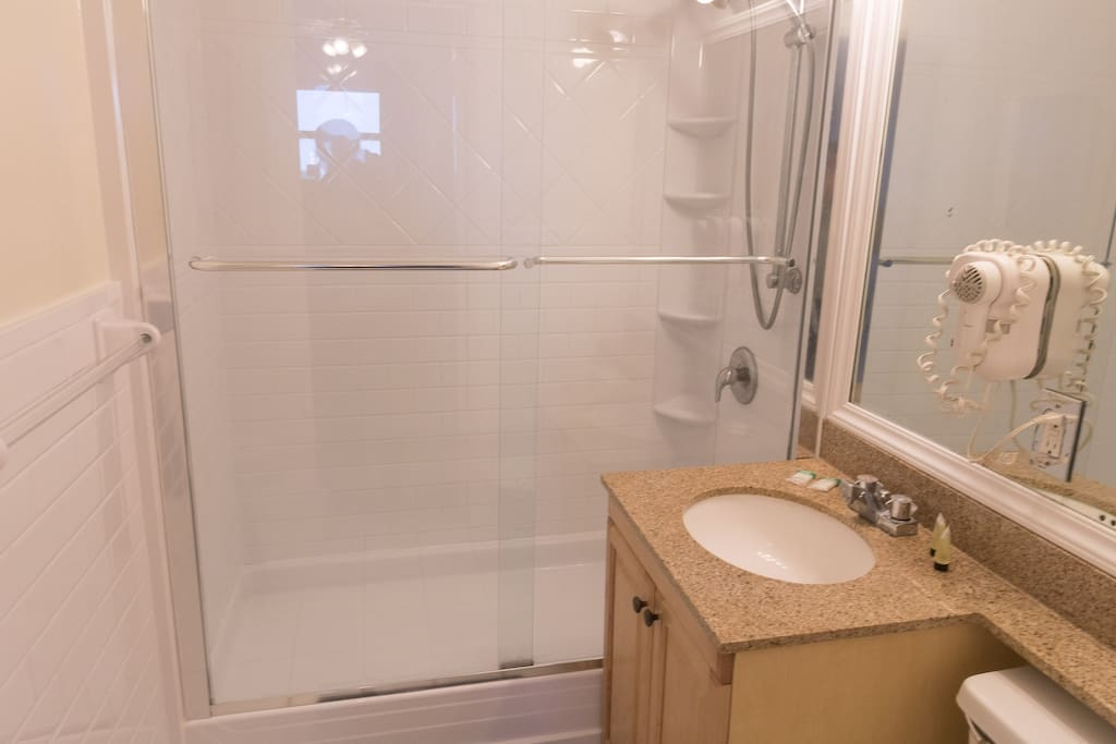 778 Studio Apartment Hollywood photo 18665198