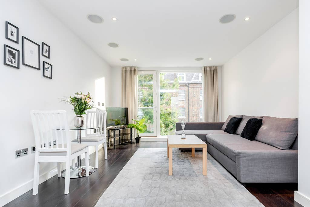 Beautiful one bedroom in heart of Chelsea photo 20393618