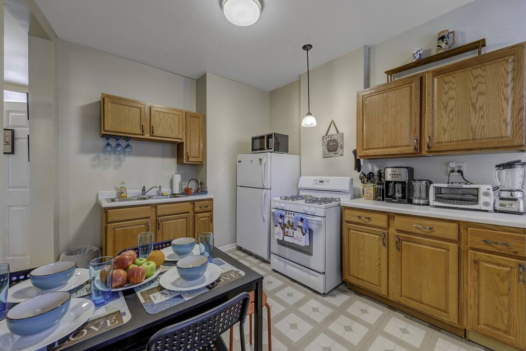 Apartment D-L-2 Historical Pullman - furnished apartments 2 Bdrm photo 25281019