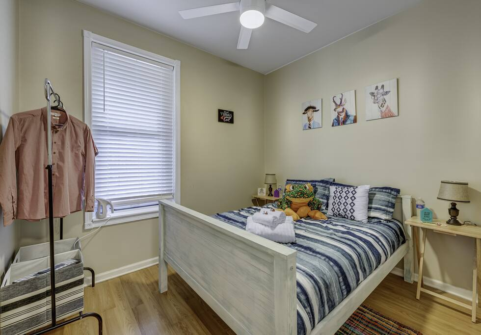 Apartment D-L-1-2 Best Deal in the Pullman Area photo 23624860