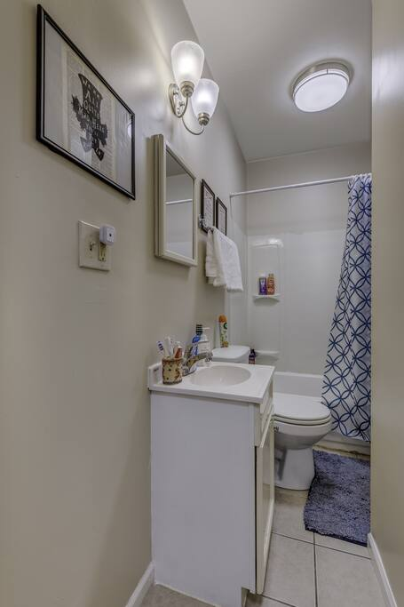 Apartment D-L-1-2 Best Deal in the Pullman Area photo 25281008