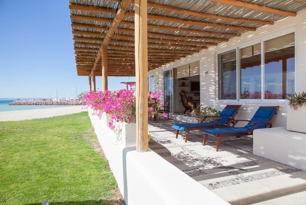 Gorgeous Beach Front Villa @ Puerta Cortes Resort (V5) photo 18664030